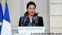 24.01.2020, Frankreich, Paris: Agnes Buzyn, Gesundheitsministerin von Frankreich, spricht nach einer wöchentlichen Kabinettssitzung. In Frankreich sind zwei Fälle der neuen Lungenkrankheit bestätigt worden. Foto: Alain Jocard/AFP POOL/dpa +++ dpa-Bildfunk +++ |