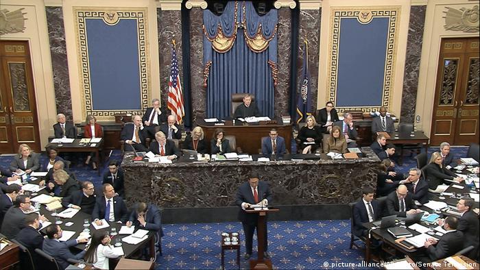 Адвокат Дональда Трампа Джей Секулов виступає в Сенаті в рамках справи про імпічмент президента США