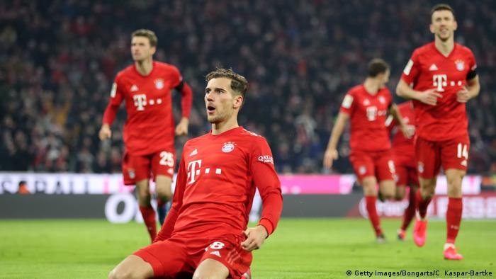 Bundesliga: Bayern Munich sweep Schalke aside