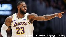 USA NBA LA Lakers LeBron James (picture-alliance/AP Images/J. Dempsey)