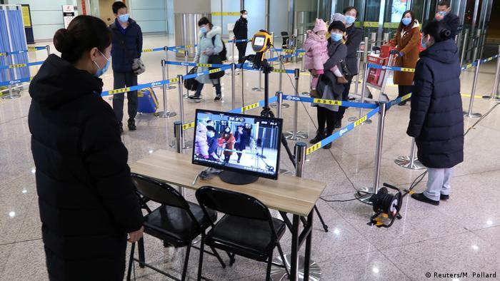China Peking Temperaturkontrolle m Flughafen wegen Coronavirus