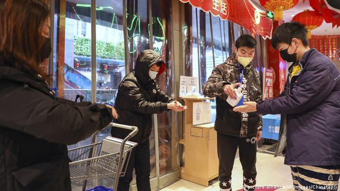 China Wuhan Hygienemaßnahmen wegen Coronavirus