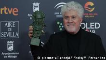 Spanien Pedro Almodovar bei den Goya Film Awards in Malaga
