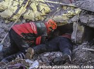 Zahl der Erdbeben-Opfer in Osttürkei steigt