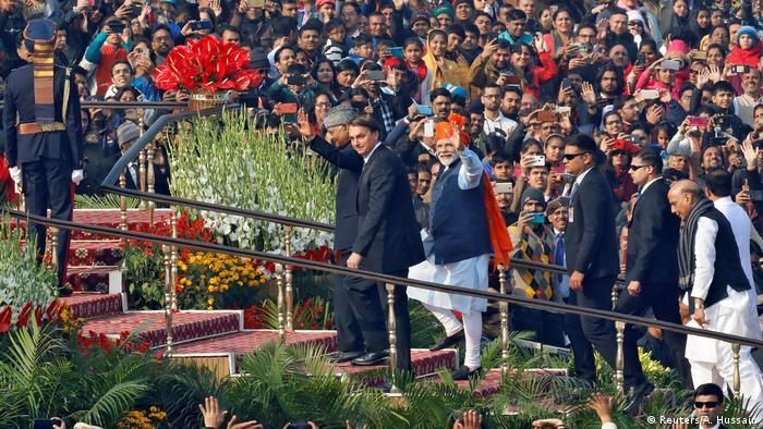 O presidente brasileiro, Jair Bolsonaro, e o primeiro-ministro da Índia, Narendra Modi, em comemorações do Dia da República indiano