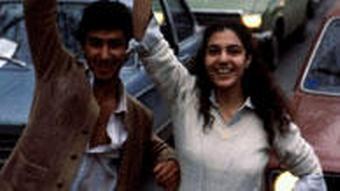 پسران و دختران بیحجاب در انقلاب شرکت داشتند