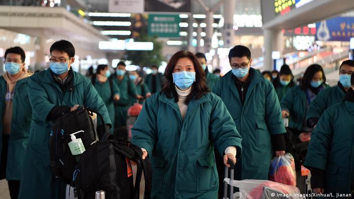 China Coronavirus l Anreise eines medizinischen Teams in Zhengzhou, Provinz Henan