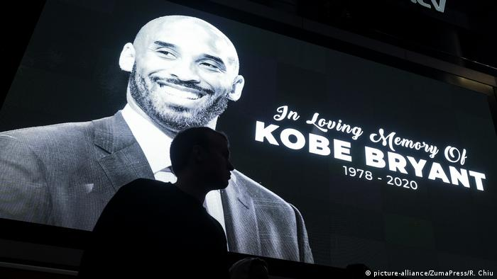 USA Kobe Bryant Gedenkstätte am Staples Center in Los Angeles