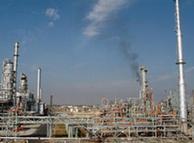 صنعت نفت ایران به ۳۰۰ میلیارد سرمایهگذاری جدید نیازمند است. تحریمها راه سرمایهگذاری را بستهاند