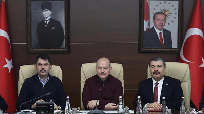 Bakanlar Kurum, Soylu ve Koca alınan tedbirleri ortak basın toplantısında açıkladı.