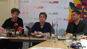 Berlin - Elke Breitenbach (center) (DW/B. Knight)