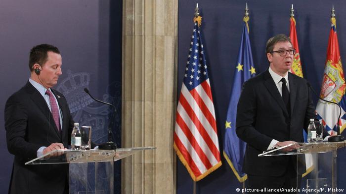 Serbien Belgrad | Richard Grenell, US-Sondergesandter & Aleksandar Vucic, Präsident (picture-alliance/Anadolu Agency/M. Miskov)