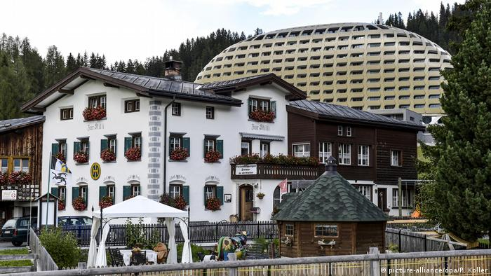Hotel Schweiz Intercontinental Davos (picture-alliance/dpa/P. Koller)