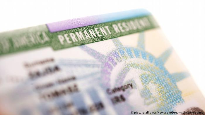 US Greencard - Permanent Resident Card (picture-alliance/Newscom/Dreamstime/Welcomia)