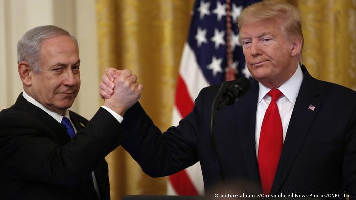 دونالد ترامپ و بنیامین نتانیاهو، پس از رونمایی از طرح موسوم به معامله قرن، ۲۸ ژانویه ۲۰۲۰