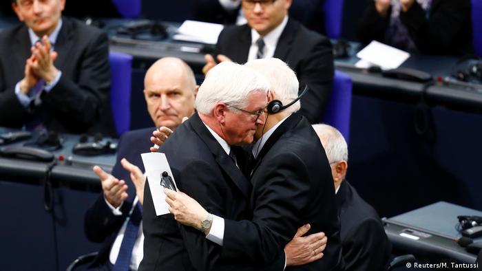 """Prezydent Niemiec Frank-Walter Steinmeier (l.) do prezydenta Izraela Reuvena Rivlina: """"pojednanie jest łaską"""""""