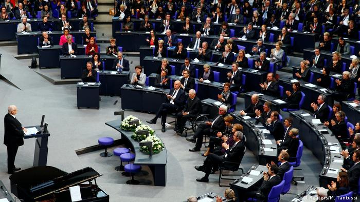 Cerimônia em memória das vítimas do Holocausto no Bundestag