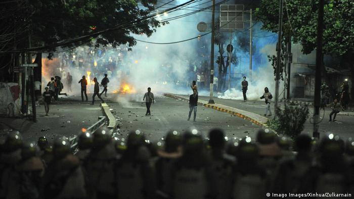 Junge Asiaten gehen vermehrt gegen Repression auf die Straße