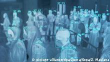 dpatopbilder - 27.01.2020, Indonesien, Aceh Besar: Passagiere werden bei ihrer Ankunft am Flughafen «Sultan Iskandar Muda» einem Temperatur-Scan unterzogen. Die indonesischen Behörden gaben bekannt, dass sie Flüge nach Wuhan, dem chinesischen Epizentrum des Coronavirus eingestellt und die Gesundheitskontrollen an den Flughäfen in Indonesien verschärft haben. Foto: Zikri Maulana/SOPA Images via ZUMA Wire/dpa +++ dpa-Bildfunk +++ |