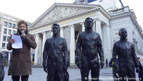 BdTD - Belgien Statuen von Edward Snowden, Julian Assange und Chelsea Manning in Brüssel (Imago Images/Belga/O. Delarouzee)