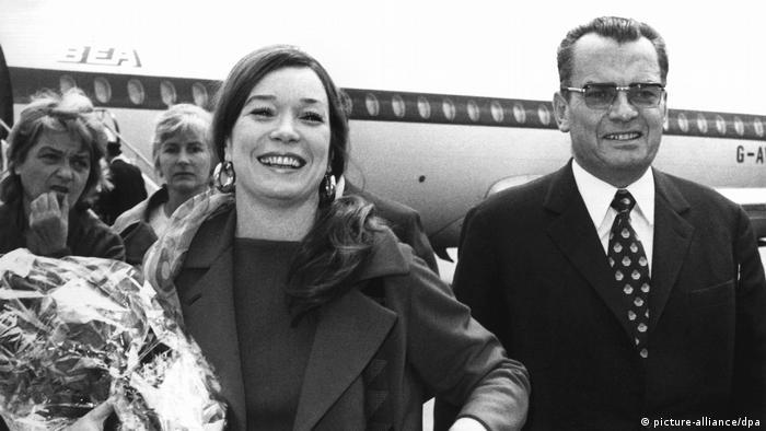 Альфред Бауэр и Ширли Маклейн. Берлин, 1971 год