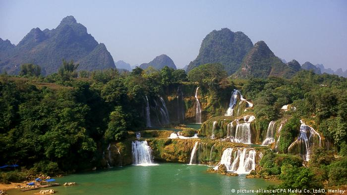 China Vietnam: Ban Gioc or Detian Waterfalls (picture-alliance/CPA Media Co. Ltd/D. Henley)