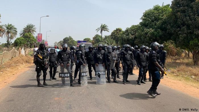 Gambia Niederschlagung von Protesten