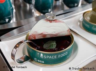 En el espacio también se come comida en lata.