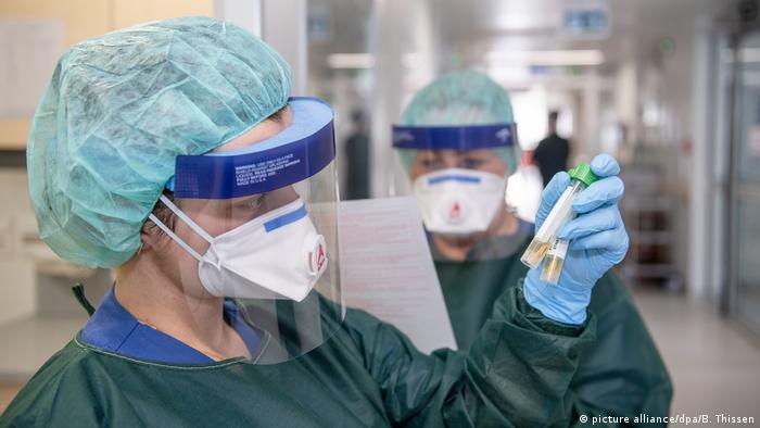 Enfermeiras com máscaras