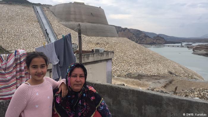 Sabriye Salkan ve küçük kızı Emine
