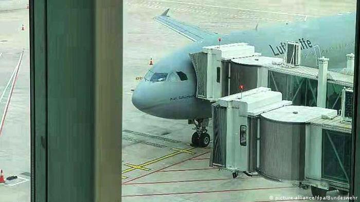 Посадка на самолет бундесвера Airbus A310 в Ухане