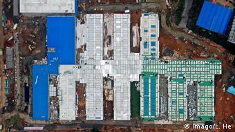 China, Wuhan: Notfall-Krankenhaus in zehn Tagen erbaut