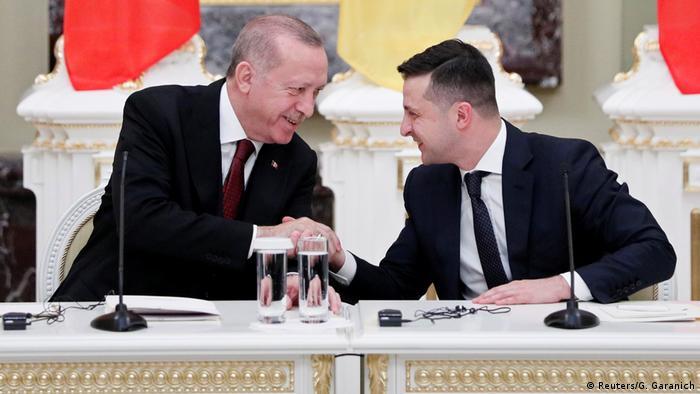 Реджеп Таїп Ердоган та Володимир Зеленський під час зустрічі у Києві в лютому 2020 року