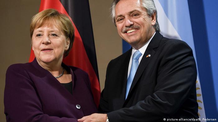 Deutschland Berlin Argentinischer Präsident Fernandez trifft Angela Merkel (picture-alliance/dpa/B. Pedersen)