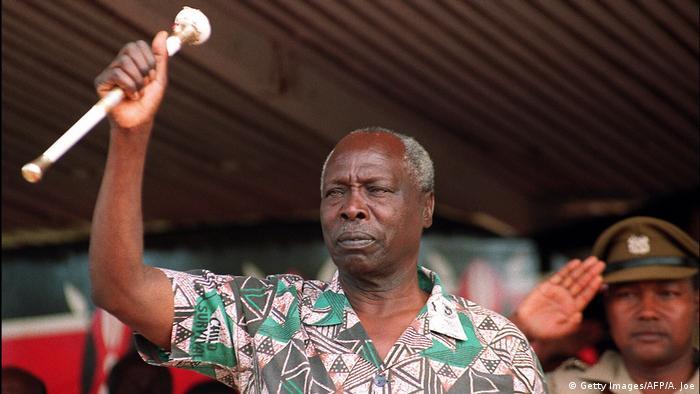 Former Kenyan President Daniel Arap Moi gives a speech in 1992