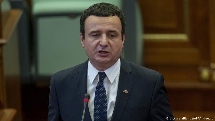 Kosovo l Albin Kurti wird neuer Ministerpräsident (picture-alliance/AP/V. Kryeziu)