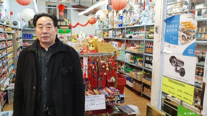 Zhang Baoxiang Sino Markt Bonn (DW / M. Müller)