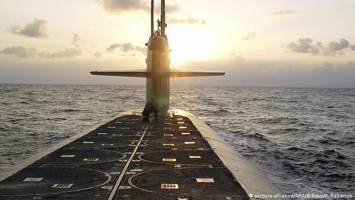 Австралия расторгла договор с Францией в пользу подлодки из США (на фото из архива: американская субмарина Вайоминг)