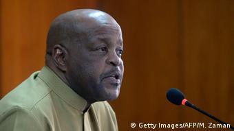 Bangladesch, Dhaka: Phakiso Mochochoko hält Pressekonferenz (Getty Images/AFP/M. Zaman)