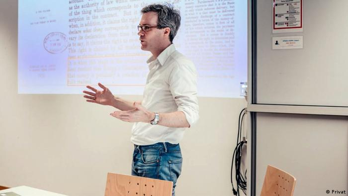 Der deutsche Volkswirtschaftler Dr. Dirk Ehnts