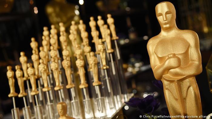 Фигурки Оскаров для церемонии награждения
