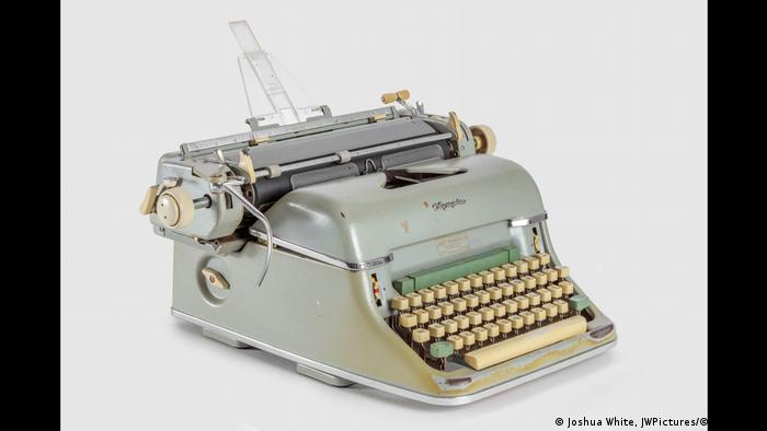 The typewriter used to write the screenplay for Psycho (Joshua White, JWPictures/©A.M.P.A.S.)