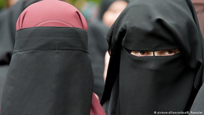 Salafisten-Kundgebung (picture-alliance/dpa/B. Roessler)