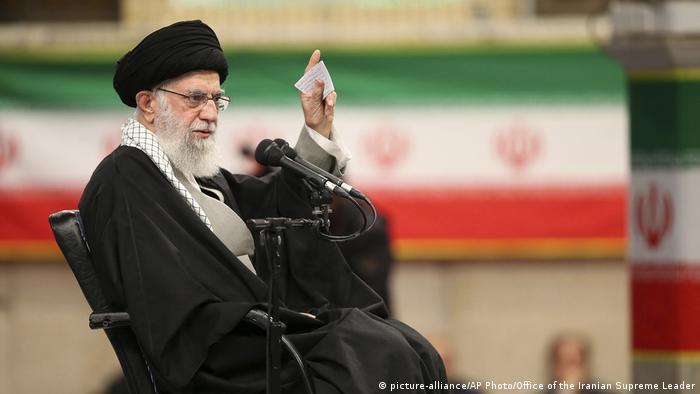 Iran Ayatollah Ali Khamenei (picture-alliance/AP Photo/Office of the Iranian Supreme Leader)