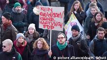 Deutschland l Proteste nach Ministerpräsidentenwahl in Thüringen in Erfurt