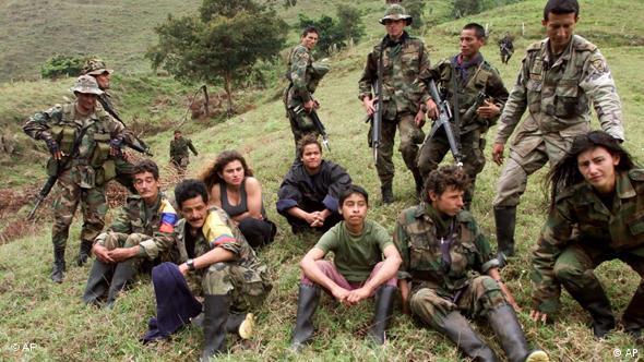 Flash-Galerie Internationaler Tag gegen Einsatz von Kindersoldaten Red Hand Day