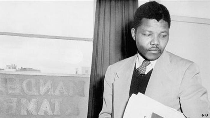 Nelson Mandela em 1952 - o seu movimento, o ANC, tinha muitas fracções, lembra Dalila Mateus