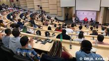 Merkel spricht vor Studenten am Future Africa Campus an der Universität Pretoria Fotograf: Adrian Kriesch, DW. Datum: 6.2.2020