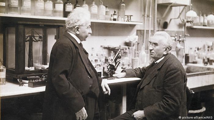 Bildergalerie Jubiläum 125 Jahre Kino   Gebrueder Lumiere im Labor