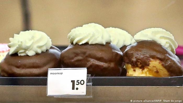 BG Politisch inkorrektes Essen l HEMA gibt Moorkop einen neuen Namen: Chocolate Ball - Niederlande (picture alliance/ANP/P. Stam de Jonge)